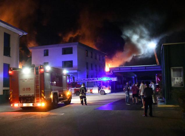 La divisione Advice sta assistendo un'azienda colpita da un grave incendio nella gestione del sinistro e nelle necessarie attività per ottenere indennizzo dei danni subiti